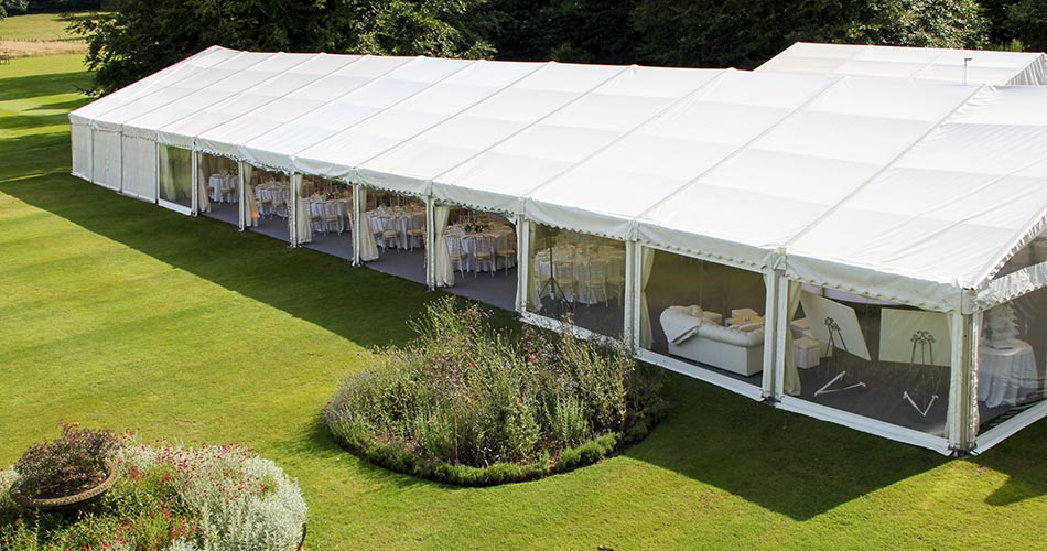 Why Book with Wedding and Events Experts Barny Lee Marquees?